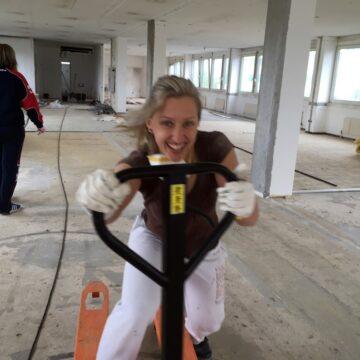 Kathrin auf der Baustelle